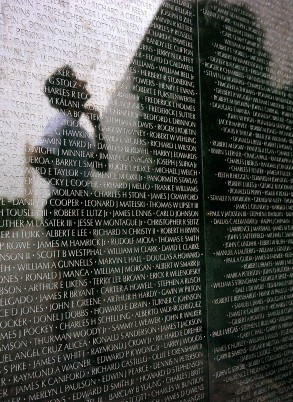 03-Vietnam-veterans-memorial
